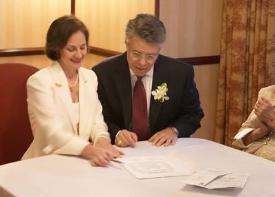 Signing 8