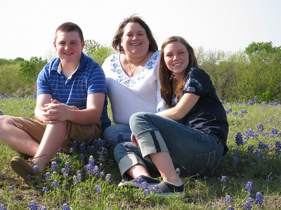Muessig Family in Bluebonnets - Jeff, Cindy, Jeni, and Will Kathy Kane