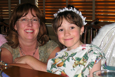 Family and Friends gathered to celebrate Rachel's First Communion at Mimi's Cafe - Tracy's Cousin Lori and her husband drove up from Castle Rock to celebrate