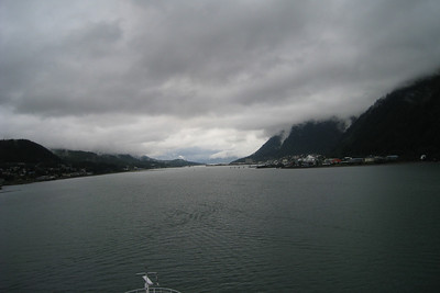 Alaskan Cruise - Rhapsody of the Seas on Royal Caribbean International Day 3 - Sun 8/24 - Juneau, Alaska, cold and rainy Entertainment - Piano Man Pulling into Juneau, Alaska