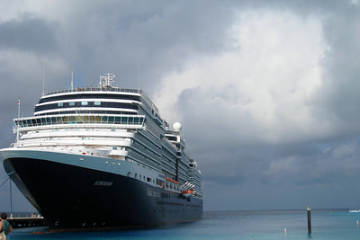 Eastern Caribbean Cruise – Eurodam on Holland America Line Day 3 – Mon, 1/10 – Grand Turk, Turks & Caicos Entertainment - James Cielen, dazzling variety of magic, ranging from the extremely difficult sleight-of-hand to the equally impressive large-scale grand illusion