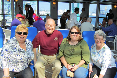 Kanes ready for vacation Cindy, Grady, Kathy and Mary Clare are ready for their Hawaiian vacation.
