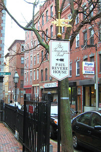 Day 2 – Paul Revere House - With its good water supply and easy access to the harbor, the North End was one of the first areas of Boston settled by Europeans. The Paul Revere House, the oldest surviving house downtown, was built around 1680, inthe wake of a huge fire in 1676.