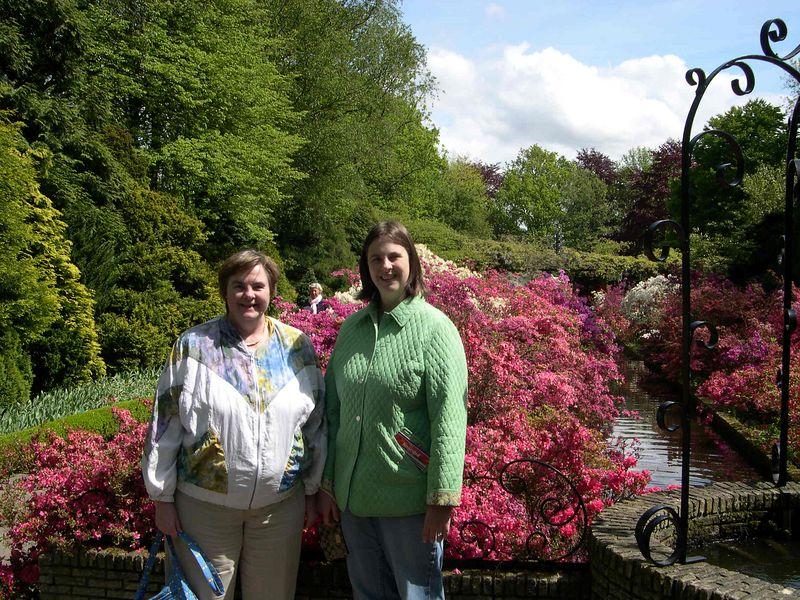 Susan and Katie in Keukenhof.