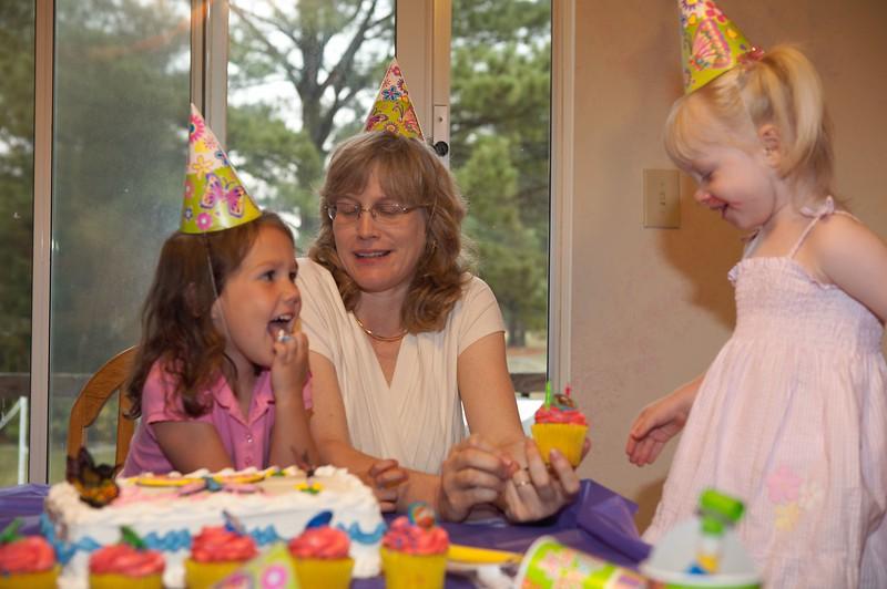 Katie's 2nd Birthday 2006-17