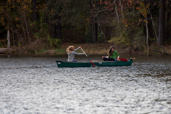 Katy_and_Calla_Canoeing