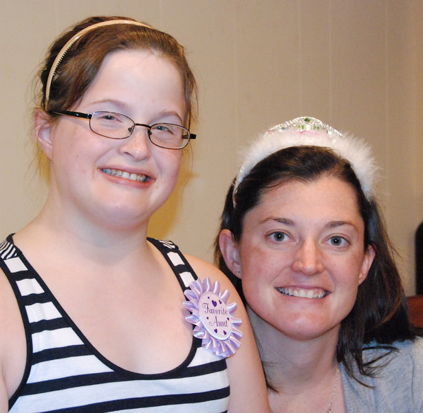 Kelly and her sister Michaela