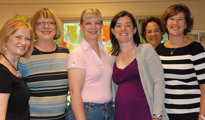 Kelly's aunts, from left: Leslie, Melinda, Theresa, Kelly, Lori, Jane.