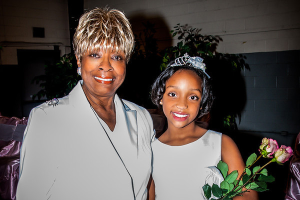 "Kenya strikes a pose with Great Auntie Lena ""Peanut"" Gleaton"