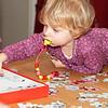 Kerst 2012 in Best.<br /> Louise aan het puzzelen.
