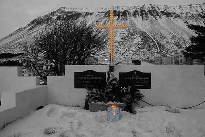 Leiði Sturlu Halldórssonar og Guðjóns Elís Sturlusonar