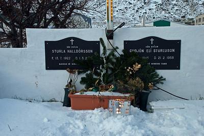 Leiði Sturlu Halldórssonar og Guðjóns Elí Sturlusonar