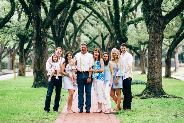 Knutzen Family & Sadie 11 months