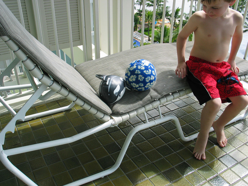 Look at the cool balls mom!