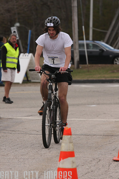 IMG4_37042 Ben UNE Sprint Triathlon