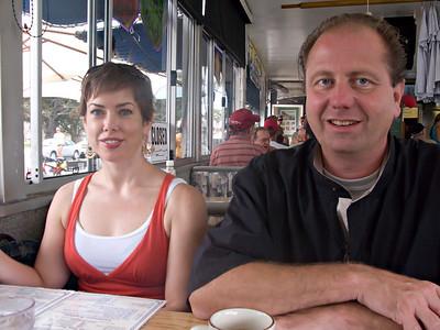 20090822 135059 LOS ANGELES MATT SAM BOB ANGELA IMG_2770_1
