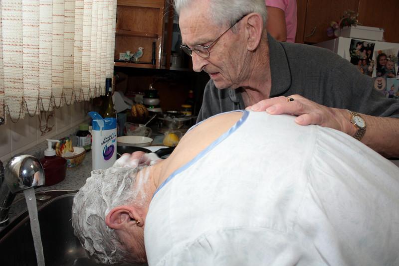 DAD WASHING MOM'S HAIR