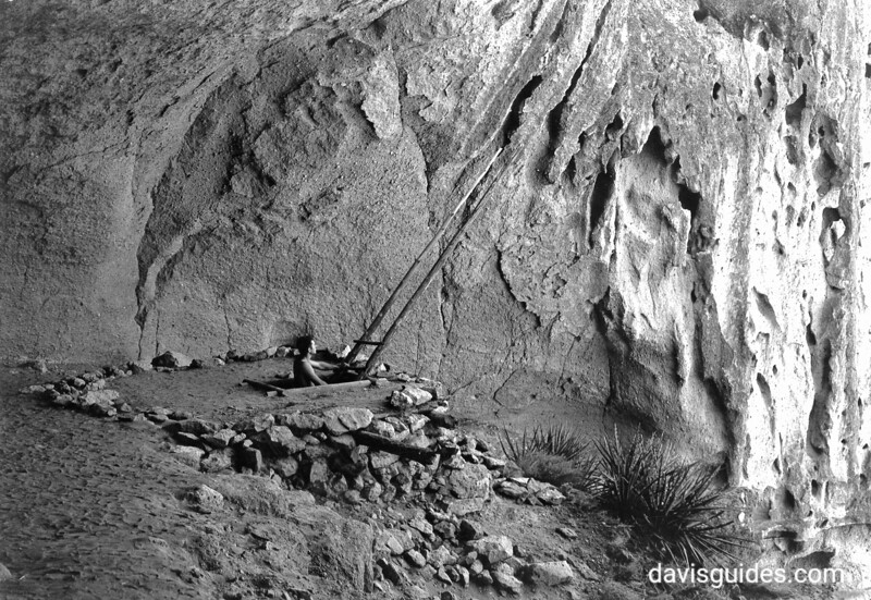 Cliff dwelling entrance, Bandelier, 1940