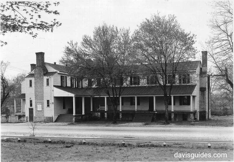 The old inn at Hanover, Virginia, across the road from Hanover Courthouse. Fredericksburg and Spotsylvania County Battlefields Memorial National Military Park, 1934.
