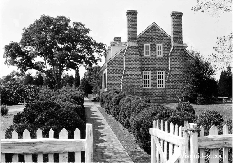 Mansion from the garden showing English boxwood along the walk. George Washington Birthplace National Monument, 1932.