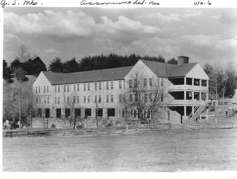 Mountain View Hotel near Gatlinburg, Tennessee. Planned Great Smoky Mountains National Park, 1931.