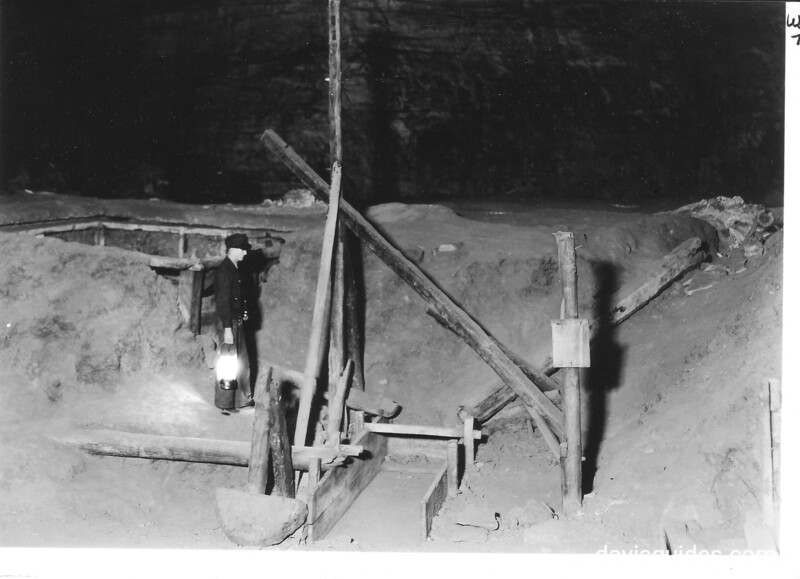 Part of the saltpeter workings in old Mammoth Cave, where gunpowder was secured for the War of 1812.  Mammoth Cave National Park, 1935.