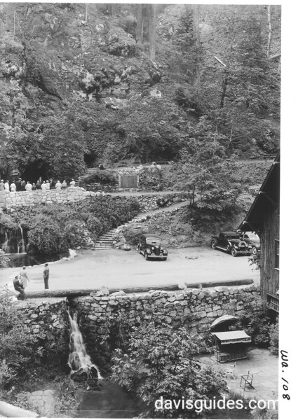 Parking area by the Chalet visitor center and cave entrance. Oregon Caves National Monument, 1941.