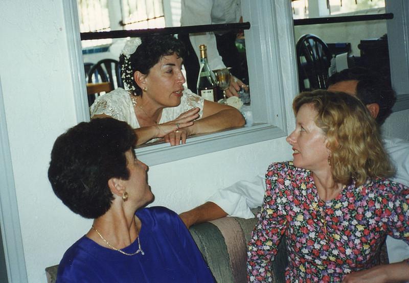 029 Sandra Rita Susan White