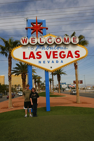 Aaron & Kyra the the famous Las Vegas sign