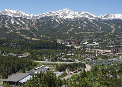 Breckenridge is in a wonderful setting. This photos was taken from close to our Airbnb lodging.