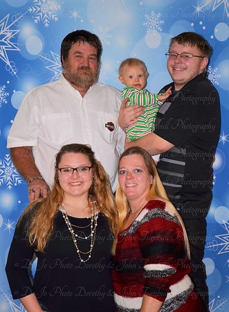 Lee's  Christmas Family