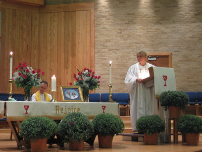 Pastors Rev. Jeffrey Wheeler and Rev. Cynthia Adcock conducted the Service of Memorial and Celebration