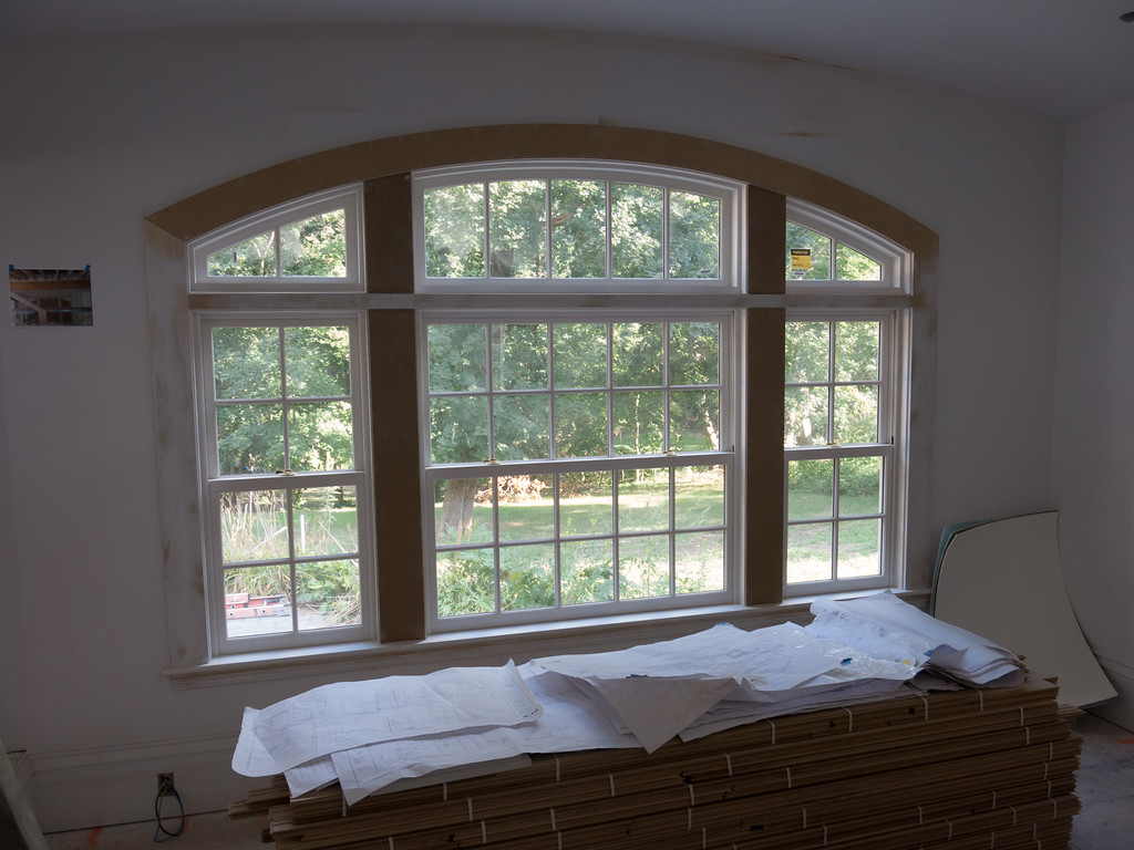 Arched window in Office