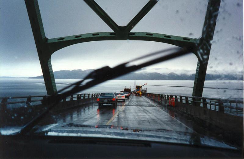 THE COLUMBIA RIVER BRIDGE