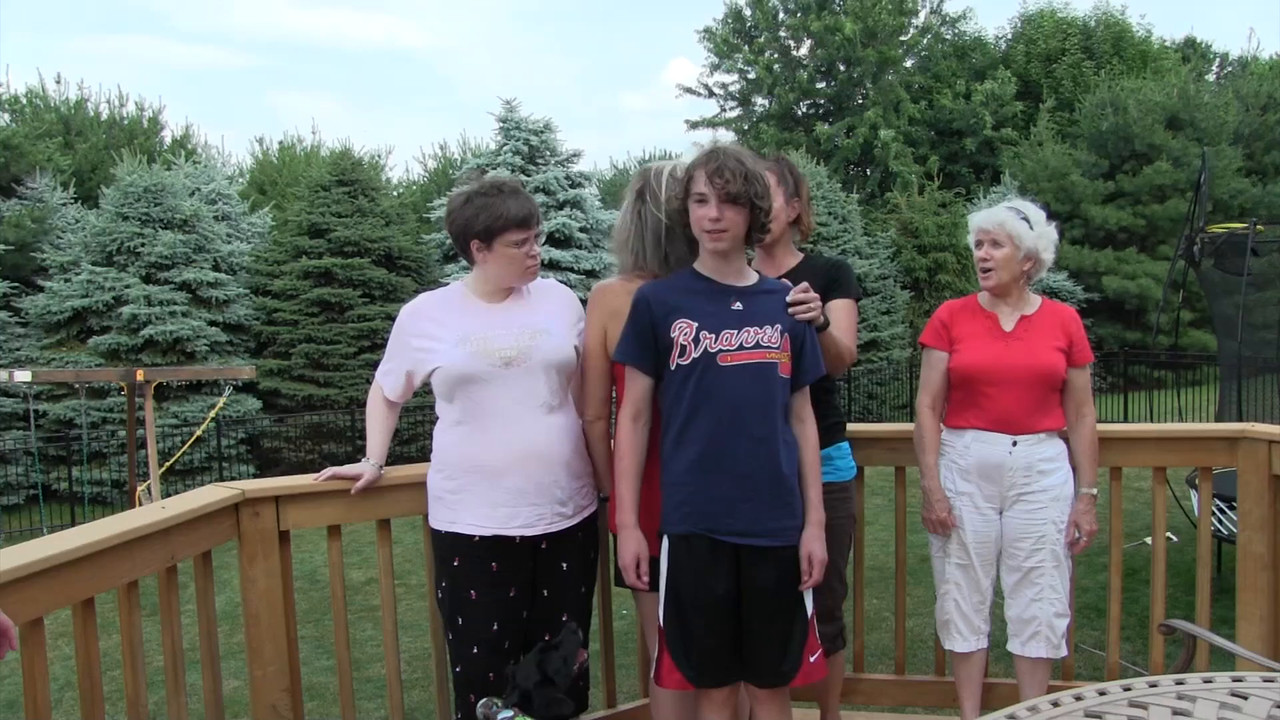 VIDEO:  4 minutes - Family Photo session--Father's Day 2016--Sun., June 26, 2016 -- (One week after Father's Day as Grandpa was indisposed by peeping for a colonoscopy the next day.