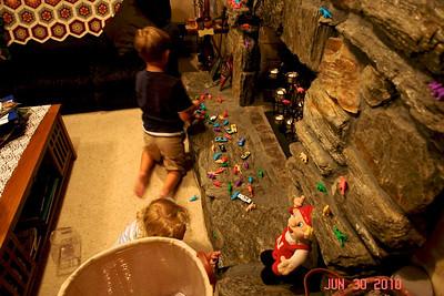 July 30, 2010  Dinosaurs on ledges