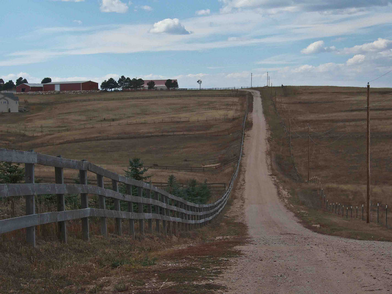 Peggy Wolff Way Ranch - Driveway from road.  Glad it wasn't snowing!!
