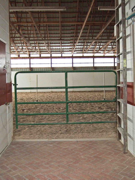 Peggy Wolff Way Ranch - Indoor riding arena