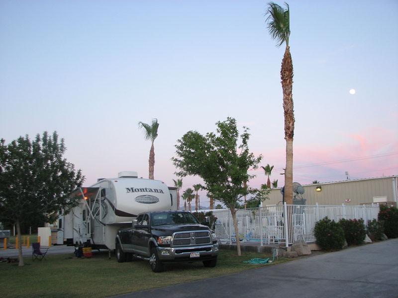 Moonrise and Sunset.<br /> Our Montana in Arizona, next to the swimming pool.