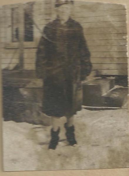 Lloyd Curtis Mom (Mae)
