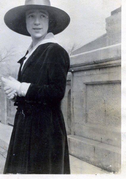Edna in a great hat