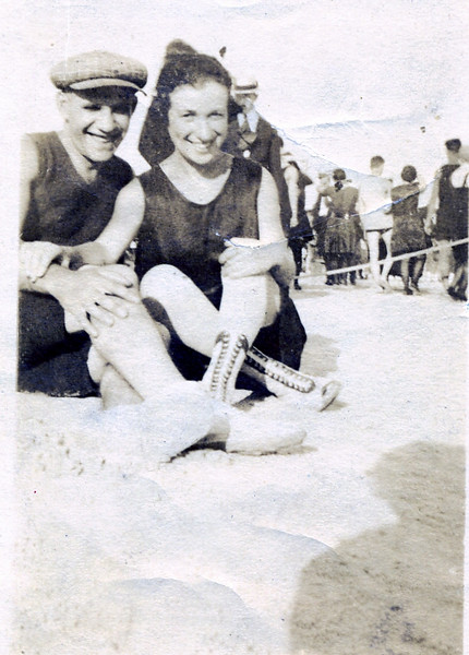 David & Edna Luft at the beach