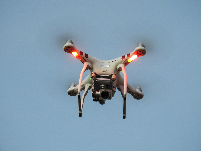 Andy's Drone, Flying.