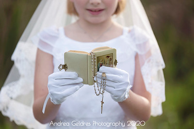 Madeline_First_Communion_2016_01