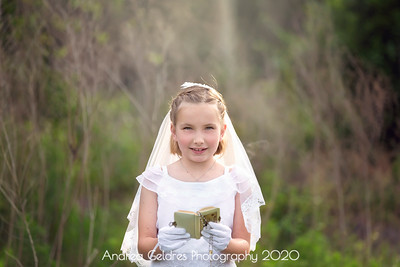 Madeline_First_Communion_2016_02
