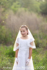 Madeline_First_Communion_2016_05