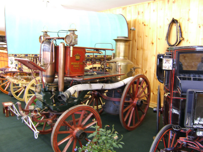 Steam-powered pumper fire engine