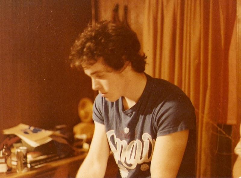 1978-304