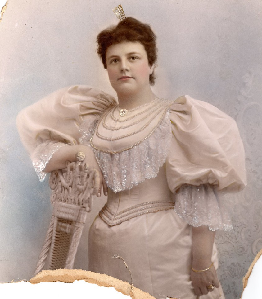 Lala Sherwood Beach was the wife of Frank H Beach, and the mother of Elizabeth Sherwood Beach , the wife of Ralph W Bierer