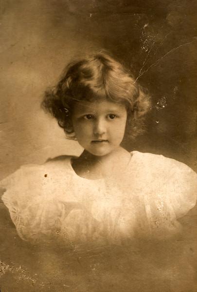 elizabeth beach Age 4